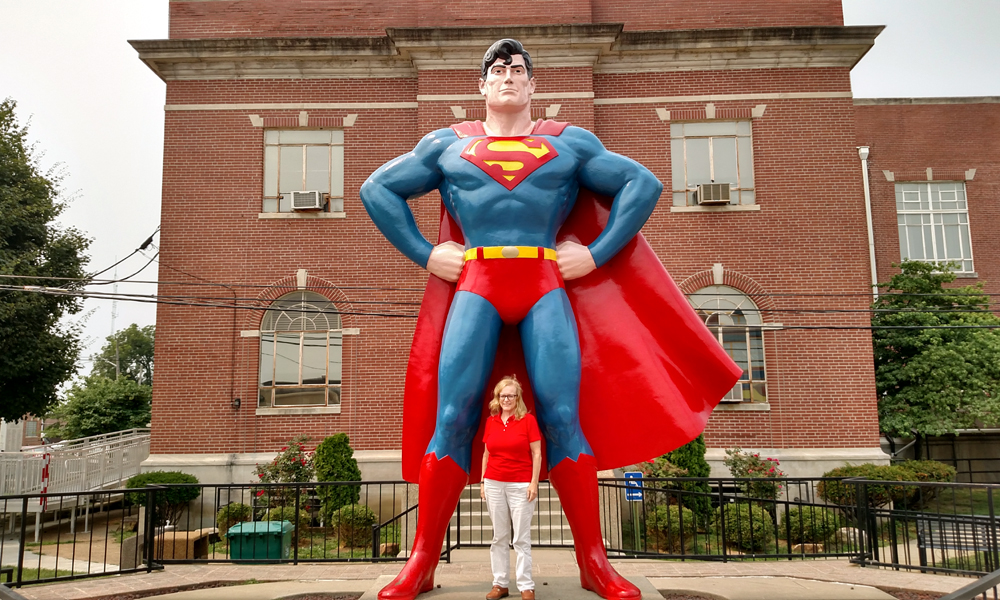 Metropolis Superman Statue